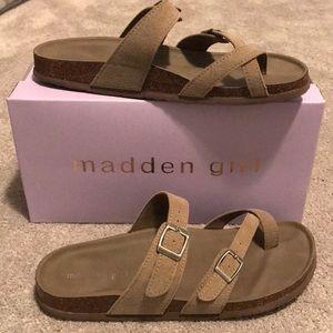 MADDEN GIRL Women's Bryceee Footbed Sandal